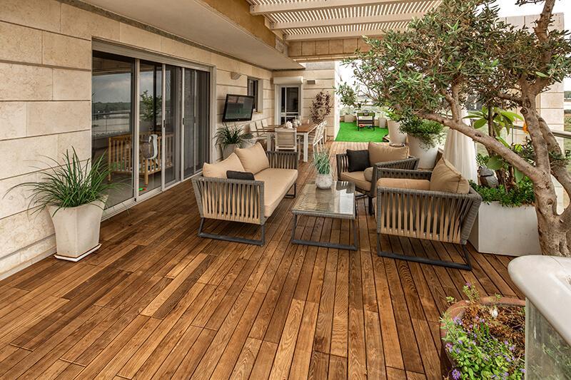 דק למרפסת תרמי בתל אביב